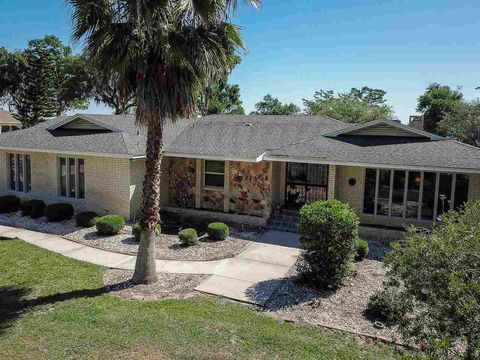 Photo of 428 Myrtle Ave, Green Cove Springs, FL 32043