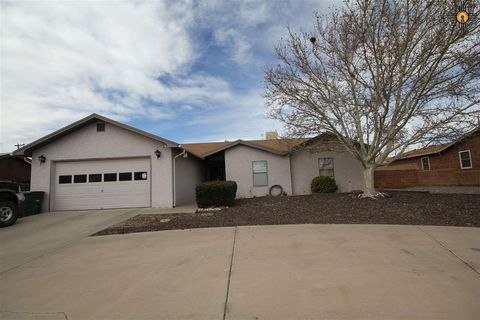Photo of 902 Yucca St, Truth or Consequences, NM 87901