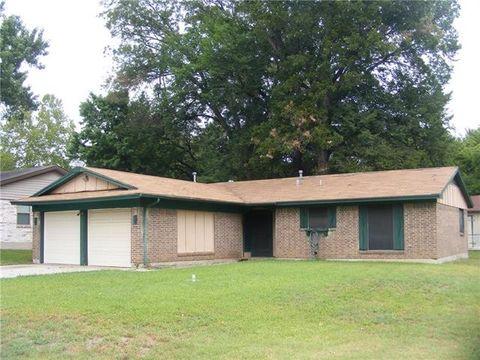 1708 Floral Dr, Gainesville, TX 76240