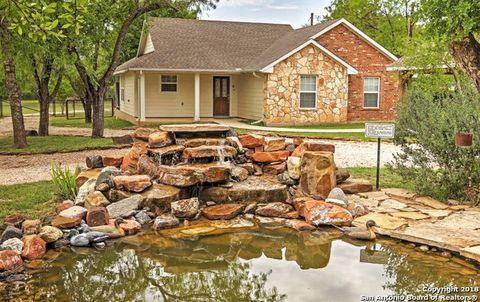 9948 Fm 1283, Lakehills, TX 78063