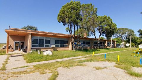 693 W Second Ave, Glade, KS 67639
