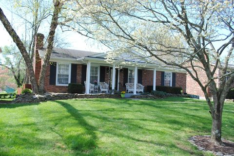 Photo of 9810 Boxford Ct, Louisville, KY 40242