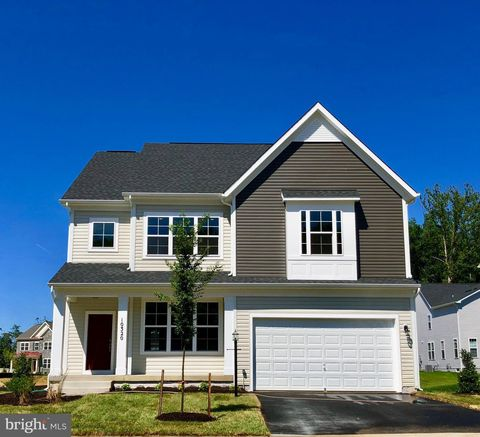 Photo of 10320 Spring Iris Dr, Bristow, VA 20136