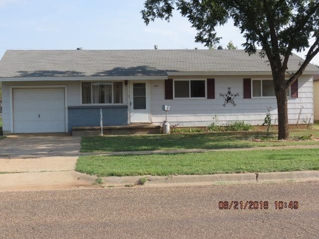 1411 E Buckley St, Brownfield, TX 79316
