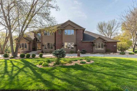 Photo of 2505 E Slaten Park Cir, Sioux Falls, SD 57103