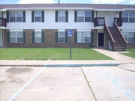 Photo of 920 W Commerce St, Fairfield, TX 75840