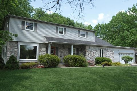 S75 W14530 Easy St, Muskego, WI 53150
