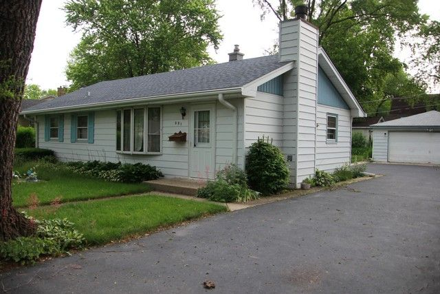 331 SW Southwest Garfield Ave Mundelein, IL 60060