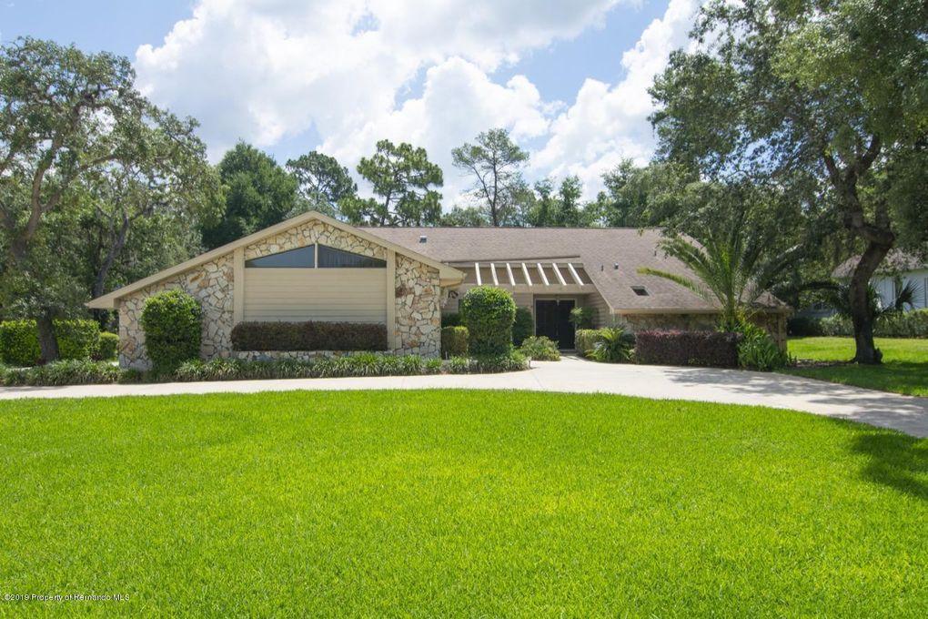 7320 Royal Oak Dr, Spring Hill, FL 34607