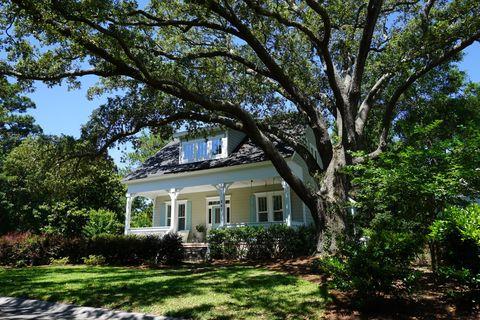 Fantastic Olde Southport Southport Nc Real Estate Homes For Sale Home Interior And Landscaping Mentranervesignezvosmurscom