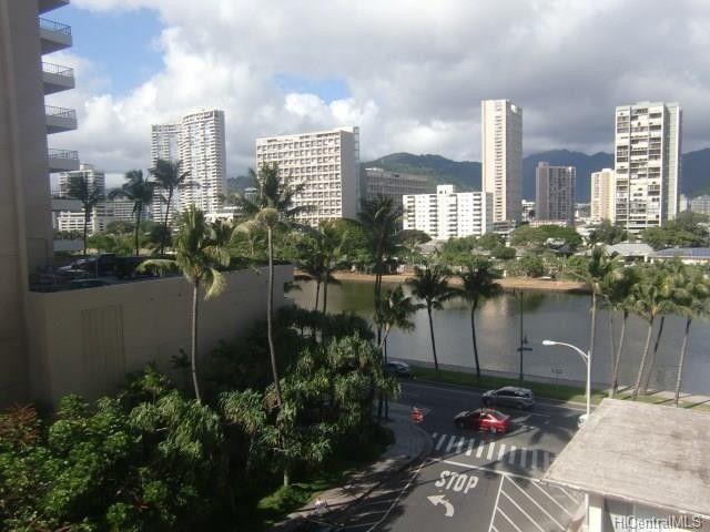 445 Kaiolu St Apt 608, Honolulu, HI 96815
