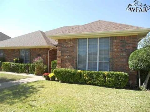 Photo of 3812 Stonegate Dr, Wichita Falls, TX 76310