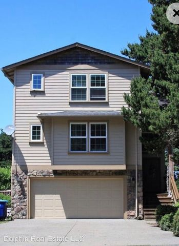 Photo of 1130 Sw Pine Ave, Depoe Bay, OR 97341
