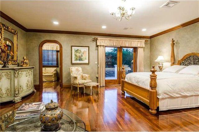 131 Paloma Dr, Coral Gables, FL 33143 - Bedroom