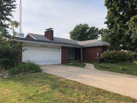 411 S Seymour St, Oakwood, IL 61858