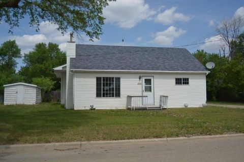 206 3rd St Nw, Mohall, ND 58761
