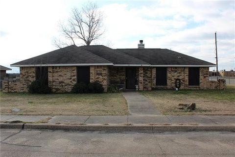 100 Creekview Dr, Ferris, TX 75125