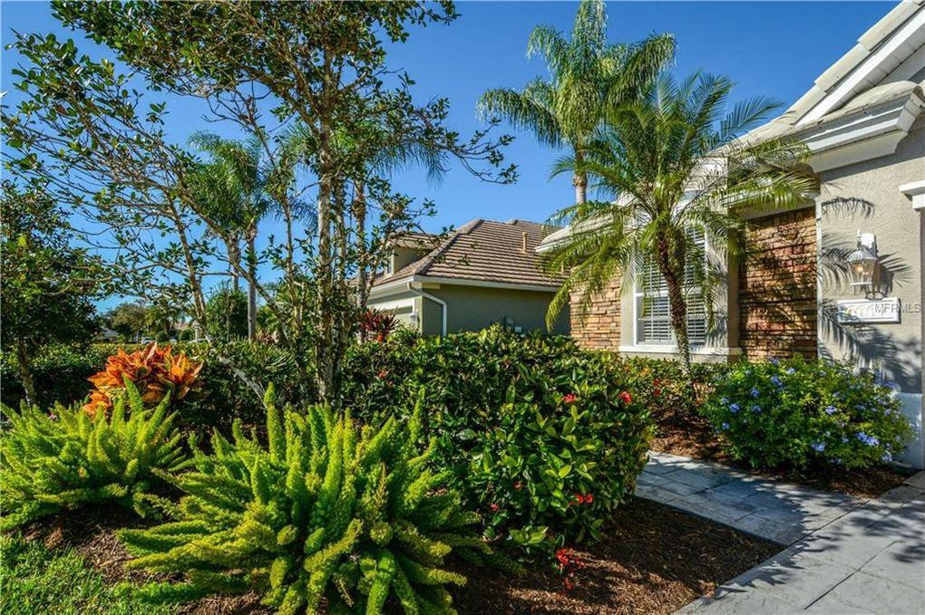 6667 Pebble Beach Way, Lakewood Ranch, FL 34202
