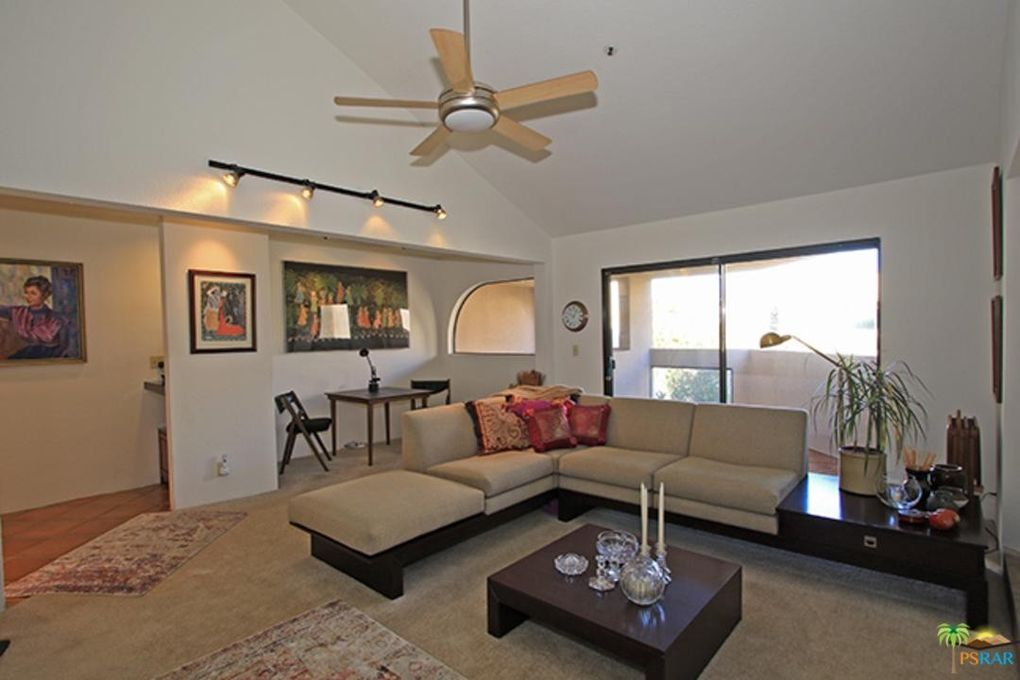 968 Village Sq S, Palm Springs, CA 92262