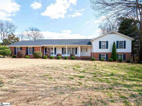 Photo of 102 Silver Pine Ct, Greer, SC 29650