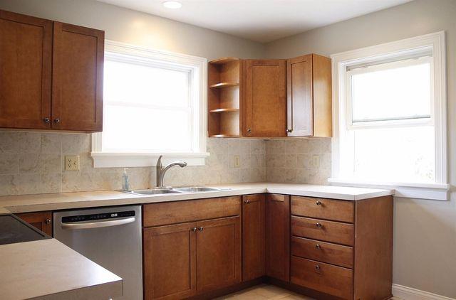 4818 Winona Ter, Cincinnati, OH 45227 - Kitchen