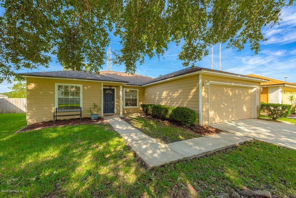 814 Bucks Harbor Dr W Jacksonville, FL 32225