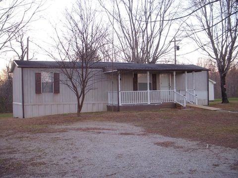 1983 Standing Stone Park Hwy, Hilham, TN 38568