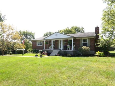 5581 Breezewood Dr, Green Township, OH 45248