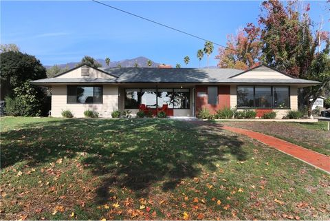 125 Lowell Ave, Sierra Madre, CA 91024