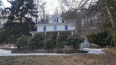 Photo of 549 S Sterling Rd, South Sterling, PA 18460