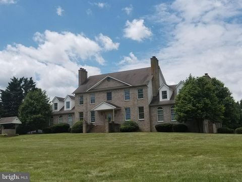 Photo of 75 W Bay Front Rd, Lothian, MD 20711