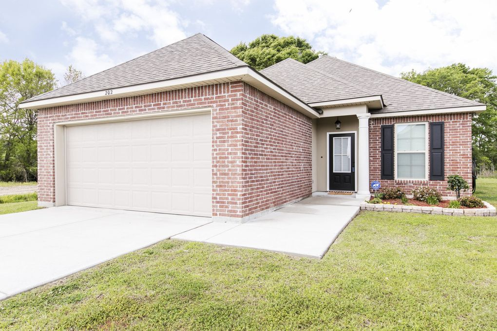 202 Teal Hollow Dr, Youngsville, LA 70592
