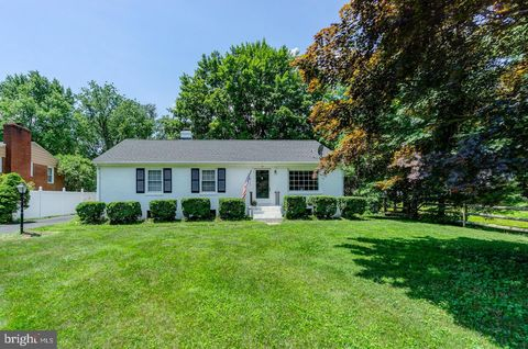 Photo of 151 S Maple Ave, Purcellville, VA 20132