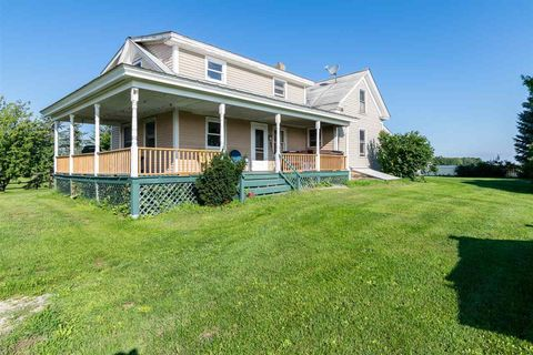Photo of 1772 Monkton Rd, Ferrisburgh, VT 05456