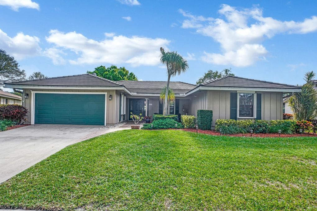 3474 Pine Haven Cir, Boca Raton, FL 33431