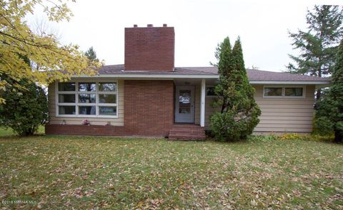 Photo of 701 Champagne Ave Sw, Red Lake Falls, MN 56750