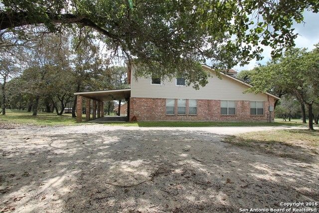 151 scenic oak dr floresville tx 78114 home for sale and real estate listing