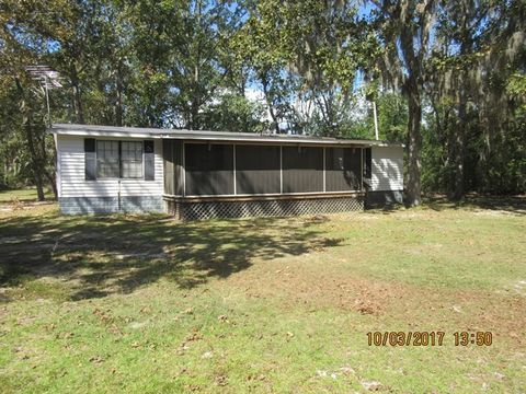 Photo of 347 Red Bank Rd, Eutawville, SC 29048