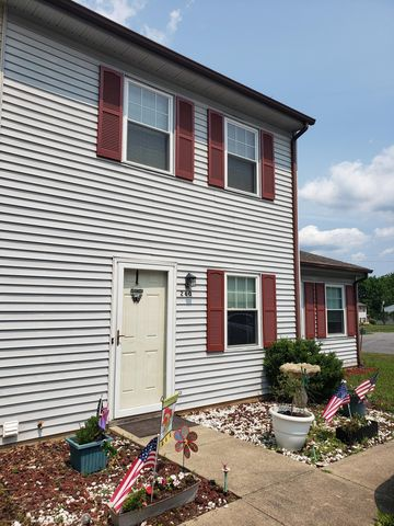 Photo of 260 Tinkerview Dr, Cloverdale, VA 24077