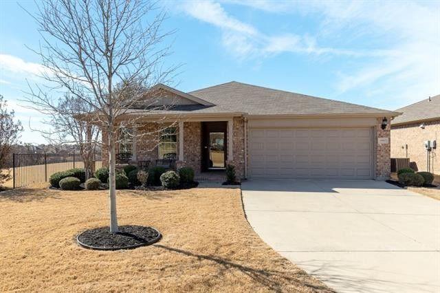 15917 Blaketree Dr, Fort Worth, TX 76177