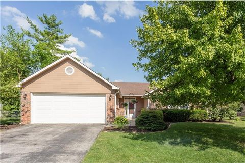 11355 Cherry Blossom Dr E, Fishers, IN 46038