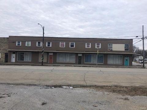 Photo of 106 W 5th St, Ramsey, IL 62080