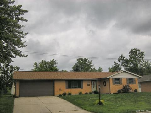 2701 Hazelbrook Dr, Butler Township, OH 45414