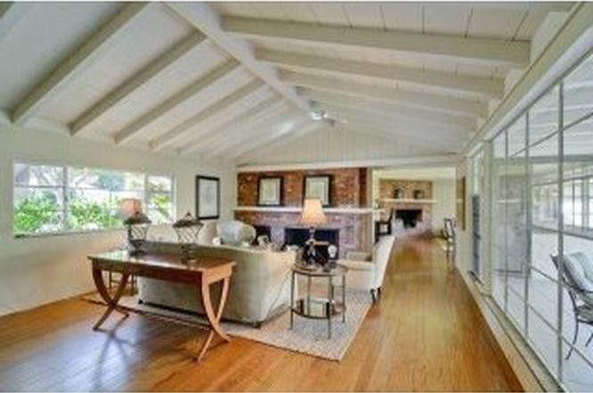1955 Newell Rd, Palo Alto, CA 94303