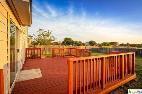 Photo of 590 Nw Crossing Dr, New Braunfels, TX 78130