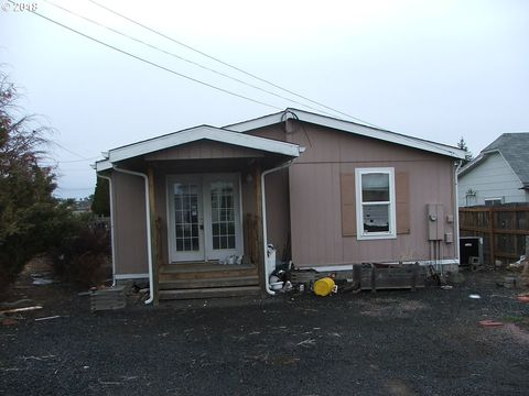 322 W Second St, Condon, OR 97823