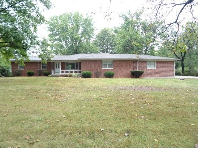 801 W Shadybrook Woods Ave, West Terre Haute, IN 47885