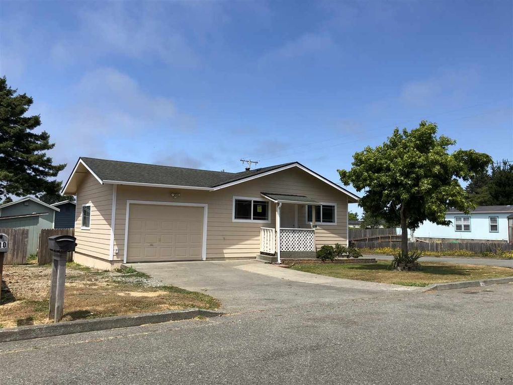 702 Endert St, Crescent City, CA 95531