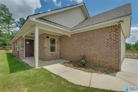 Photo of 139 Park Drive Dr N, Clanton, AL 35045