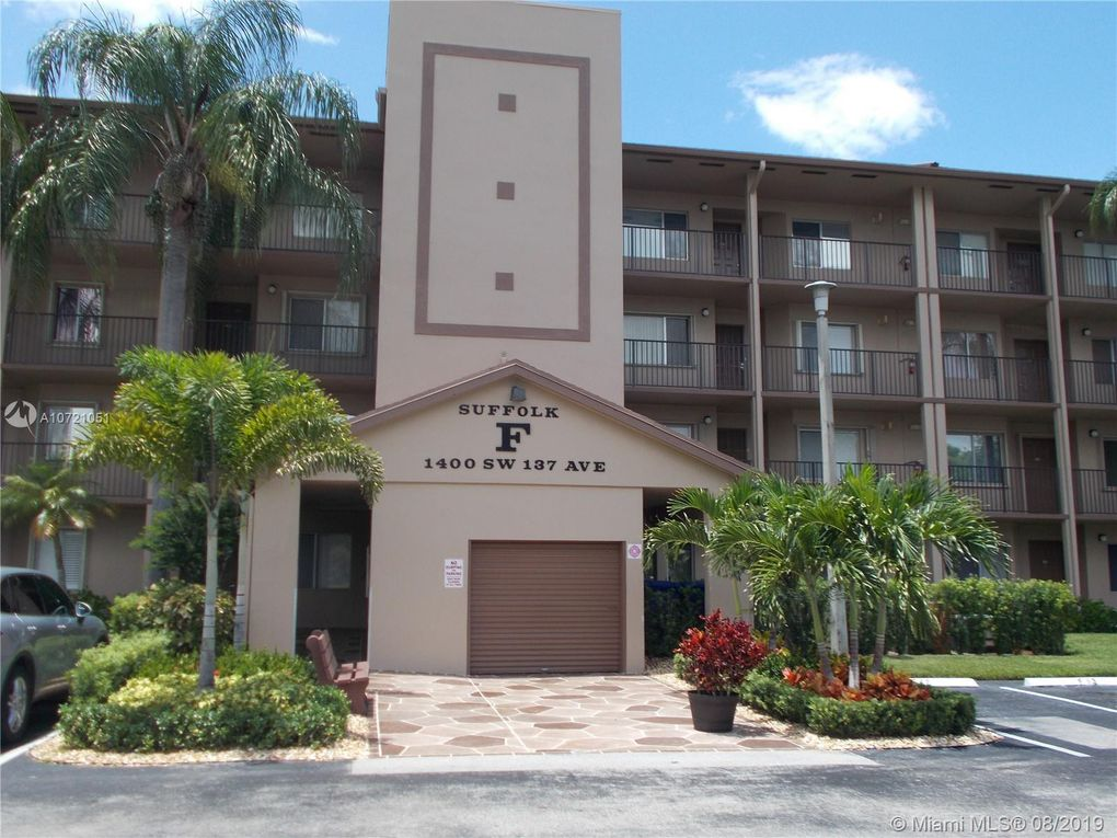 1400 SW 137th Ave Unit 104F Pembroke Pines, FL 33027